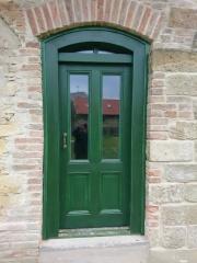 Dřevěné vchodové dveře